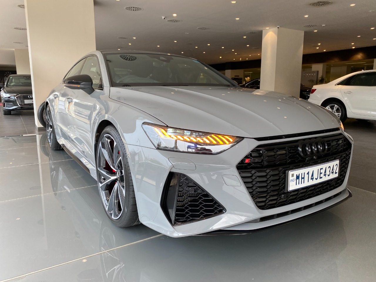 Audi Rs 7 Quattro 2020 Review Specs And Details In Hindi Namastecar